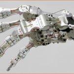 Робот аватар в помощь астронавтам.