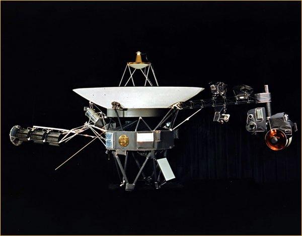 «Вояджер-1» автоматический зонд, исследующий Солнечную систему