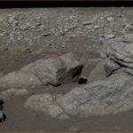 Автоматический лунный зонд Chang`e 3 сфотографировал цветную Луну.