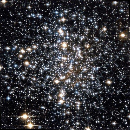 Мессье 4 или M4 (также известное как NGC 6121)