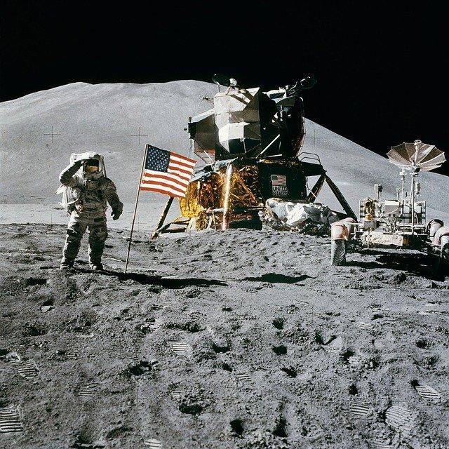 Можно ли купить участок на Луне?
